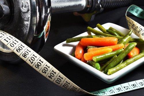 MAIGRIR en mangeant sainement et en bougeant : la solution efficace. <em>(de Lise Fonteneau)</em>